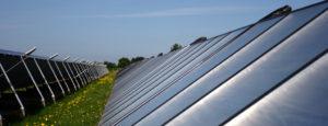 Thermische Solaranlage auf einem Dach der Firma Haesler AG.